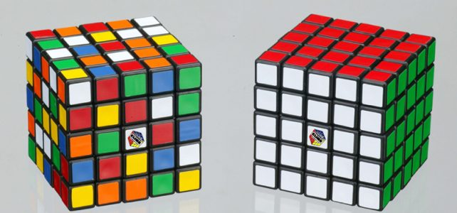 How to solve a Rubik's cube 3×3 : Detailed method and formulas